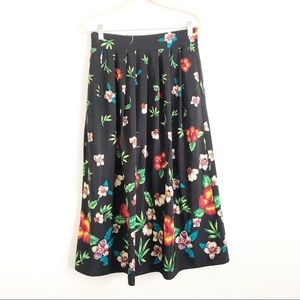 4/$25 Vintage Pleated Floral Long Skirt Size 14
